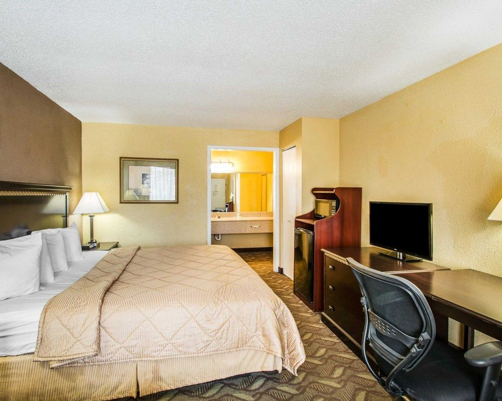 Quality Inn: 1571 Ted Bates Rd, Evergreen, AL