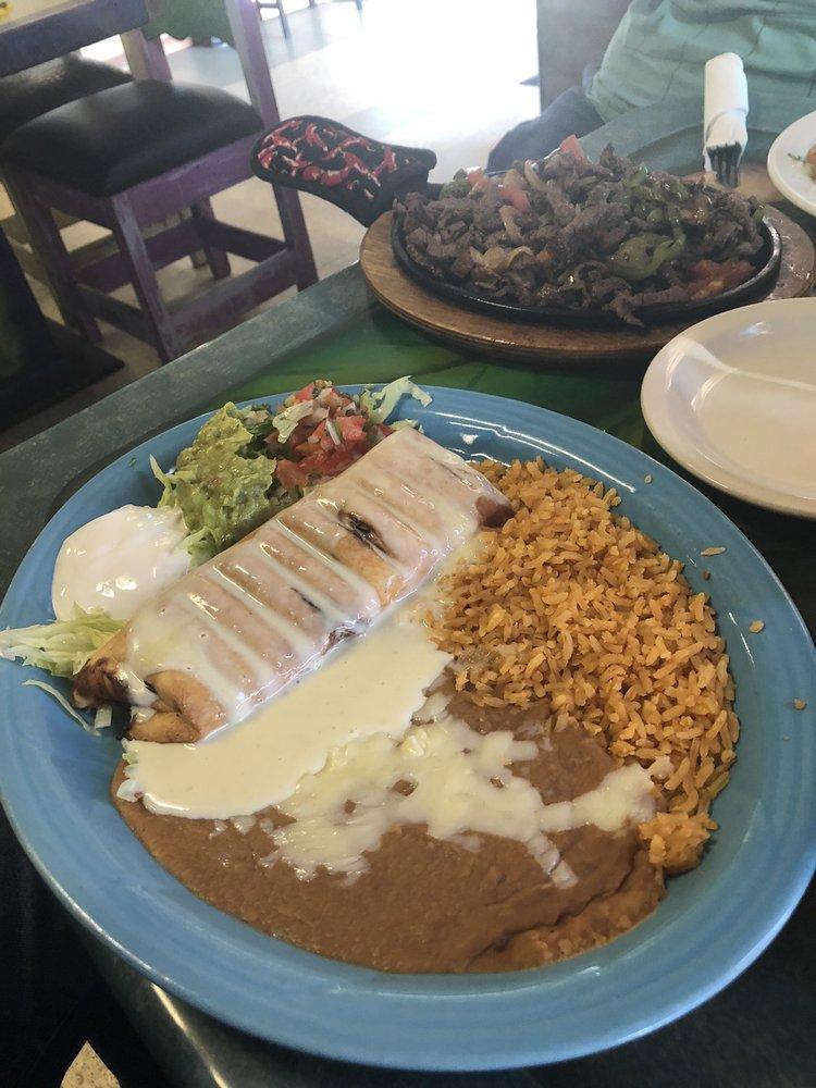 El Dos Mexican Restaurant: 1002 E 41st St, Hays, KS