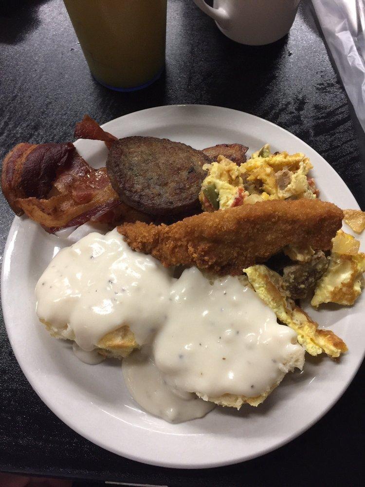 Park City Cafe: 2762 Huntsville Hwy, Fayetteville, TN