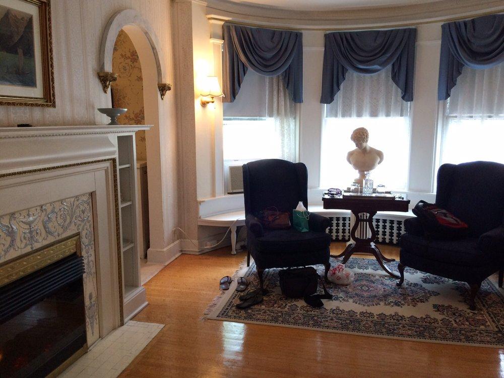 Olcott House Bed & Breakfast: 2316 E 1st St, Duluth, MN