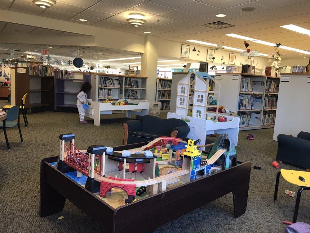 Bergenfield Public Library: 50 W Clinton Ave, Bergenfield, NJ
