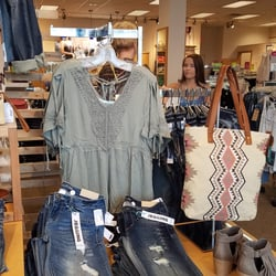 Maurices contact number