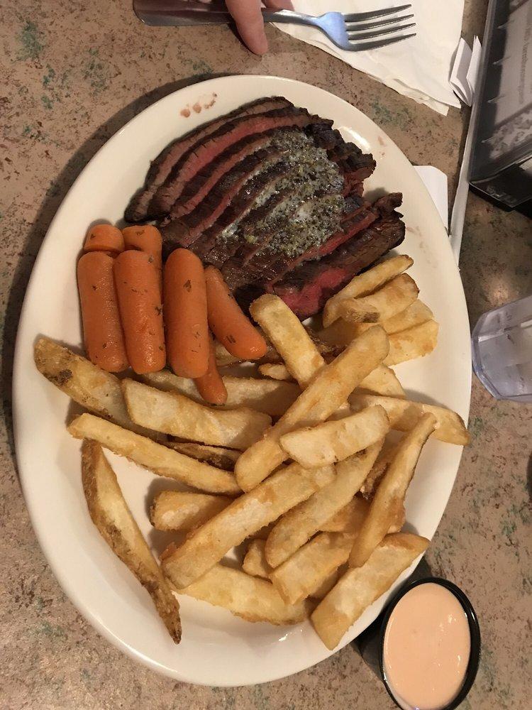 Dirk's Farmhouse Restaurant: 115 N Main St, Manti, UT