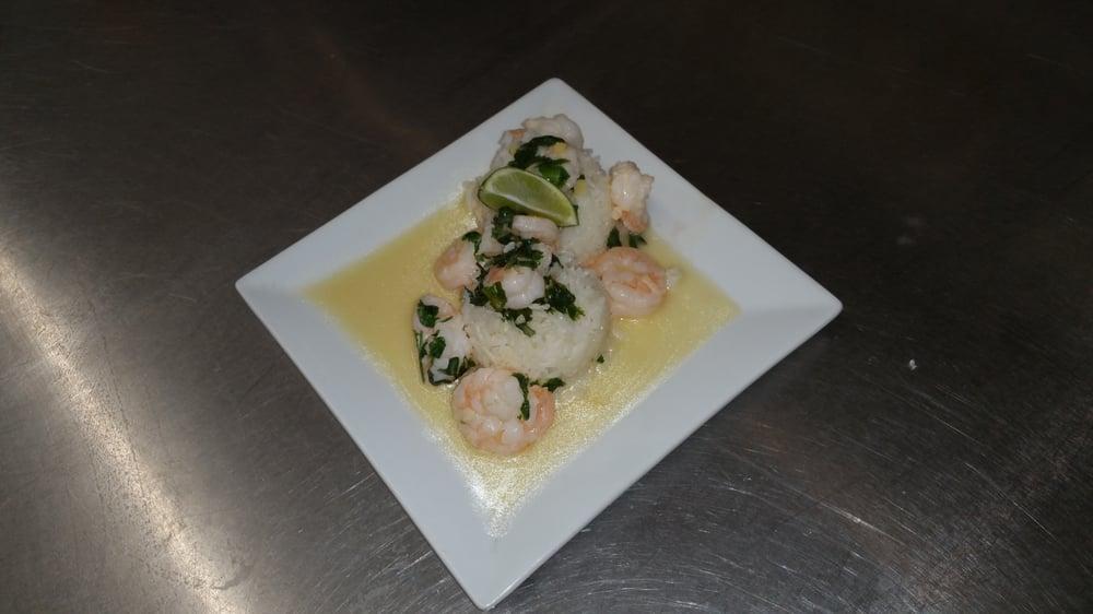 Tropics Restaurant & Bar: 201 S Brandywine Ave, Schenectady, NY