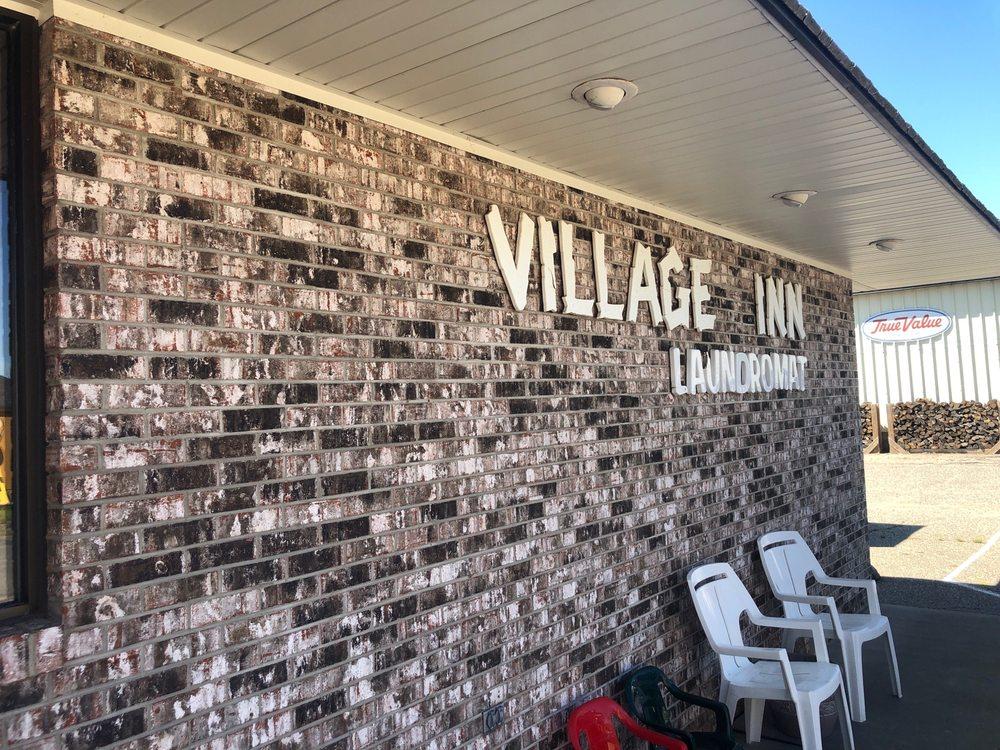 Village Inn Laundromat: 600 E Pioneer St, Crandon, WI
