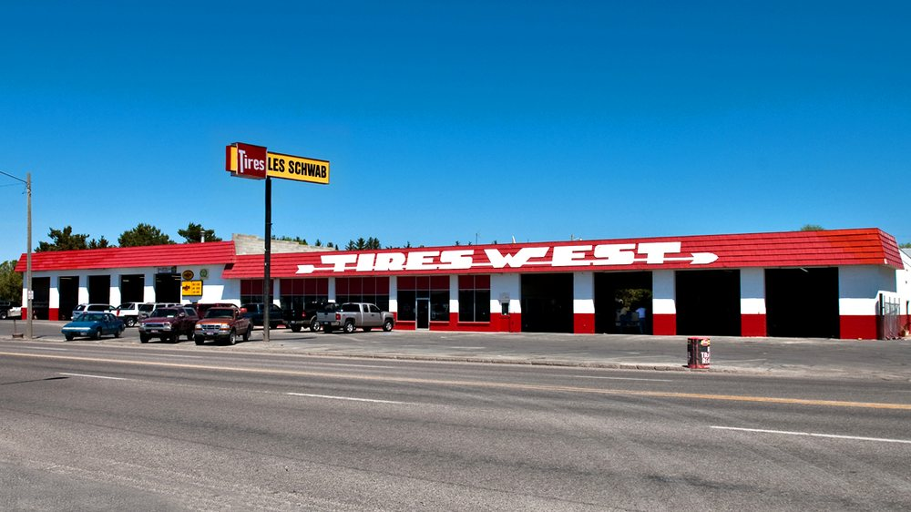 Les Schwab Tire Center: 2555 Overland Ave, Burley, ID