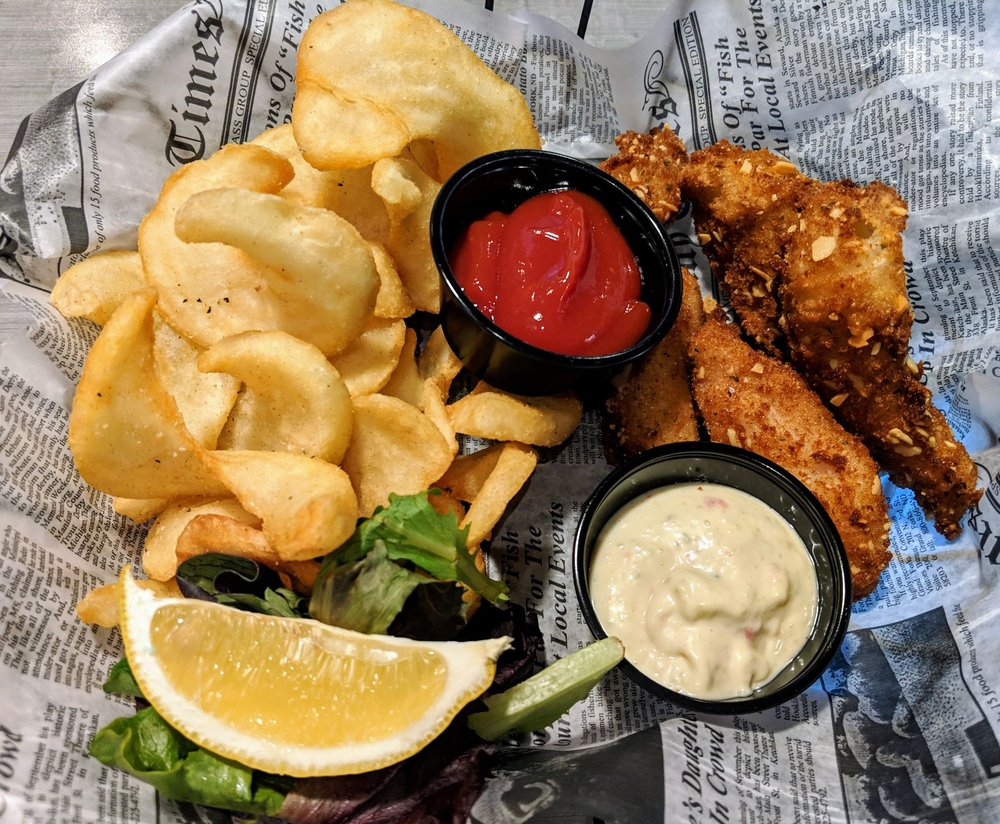 The Fish House Restaurant & Seafood Market: 4910 N Clinton, Fort Wayne, IN