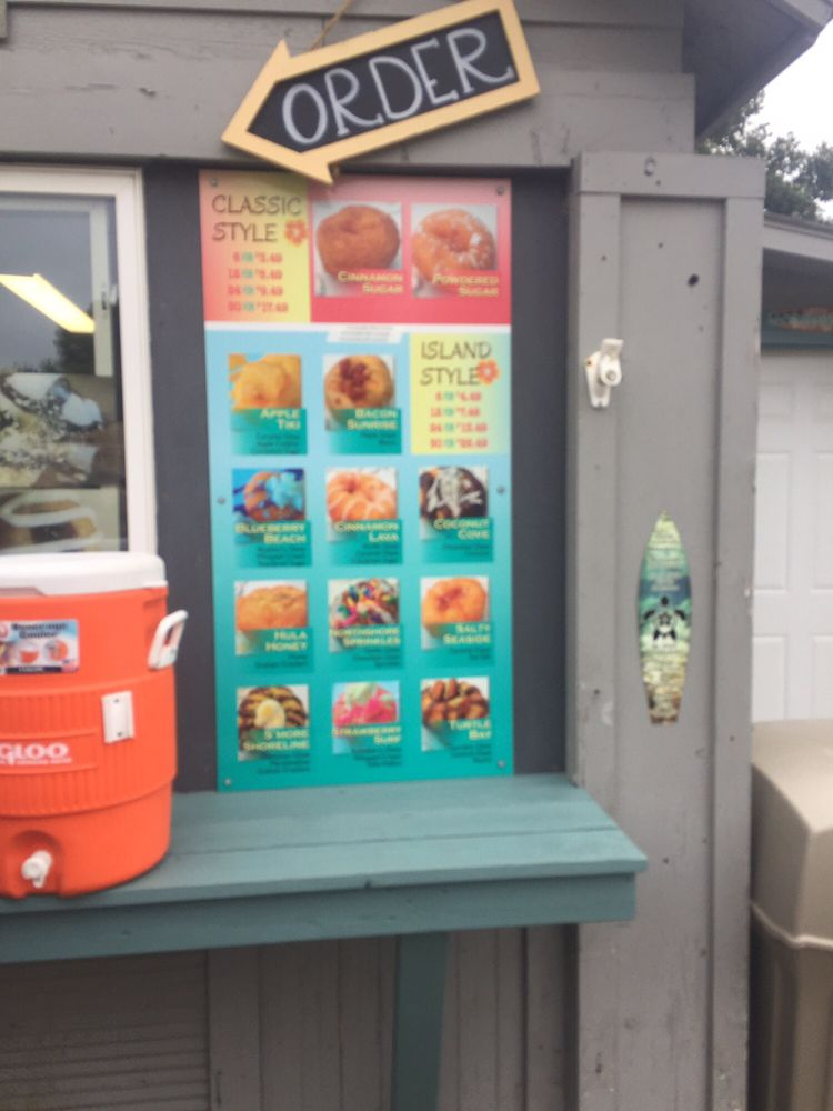 Mahalo Donuts: 176 US Hwy 71 S, Arnolds Park, IA