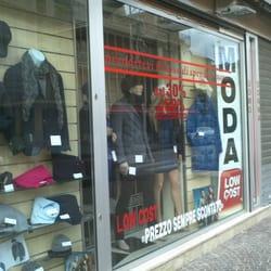 4f269cbf9f55 Moda Low Cost - Abbigliamento femminile - Via Felice Terracciano 61 ...