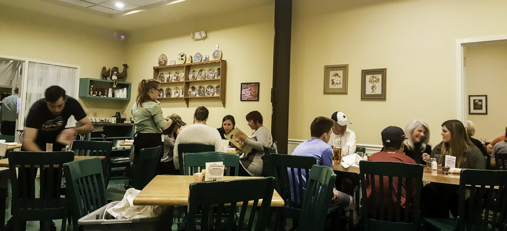The magnolia pancake haus 732 photos 1028 reviews for Furniture haus san antonio