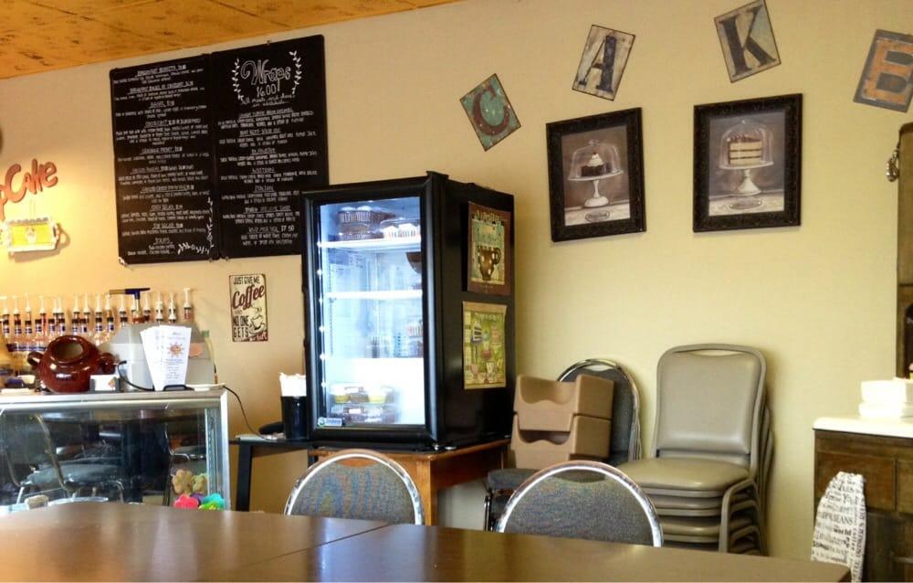 Heidi's Coffee & Bake Shop: 215 N Interocean Ave, Holyoke, CO