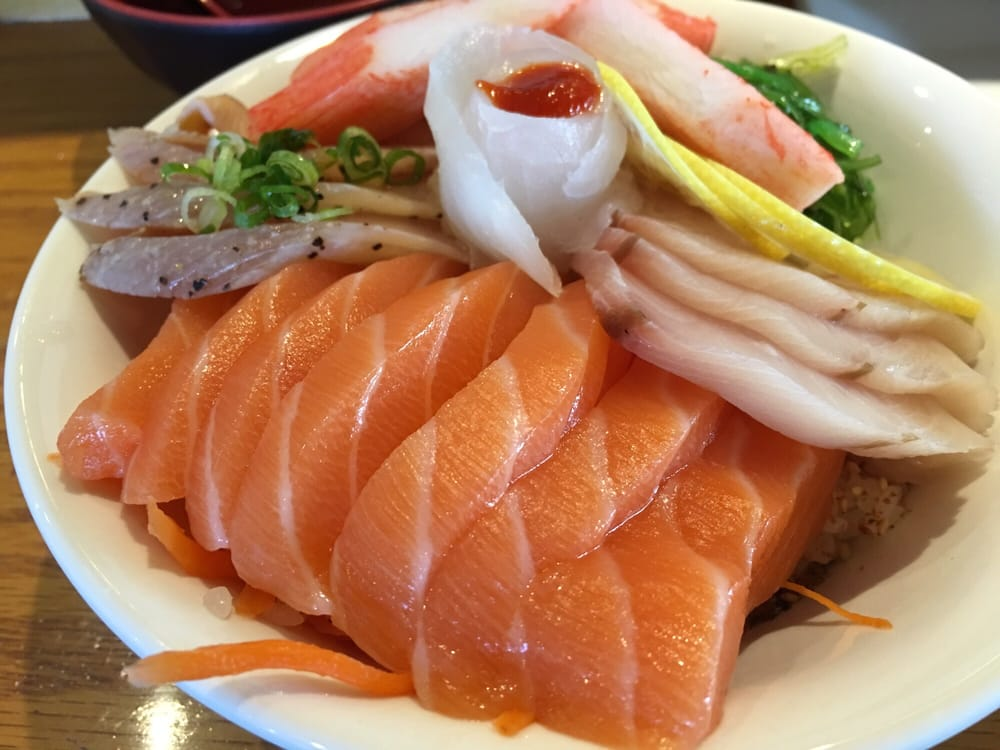 Chirashi bowl w smily salmon on top yelp for Best fish for sushi