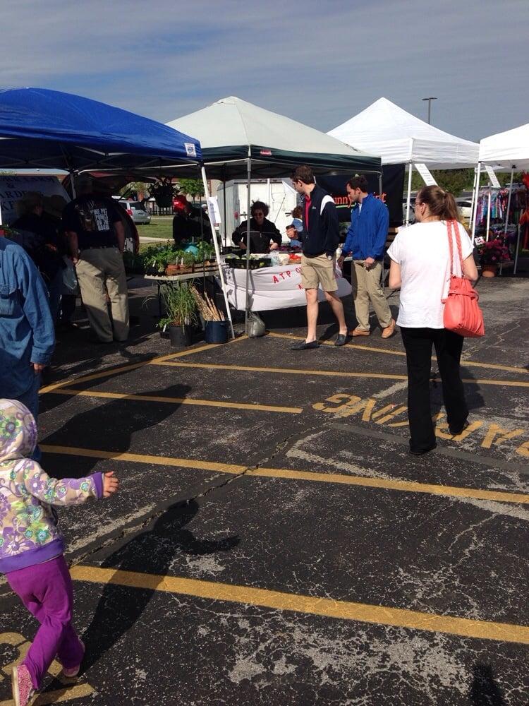 Community Farmers Market: 2319 Nashville Rd, Bowling Green, KY