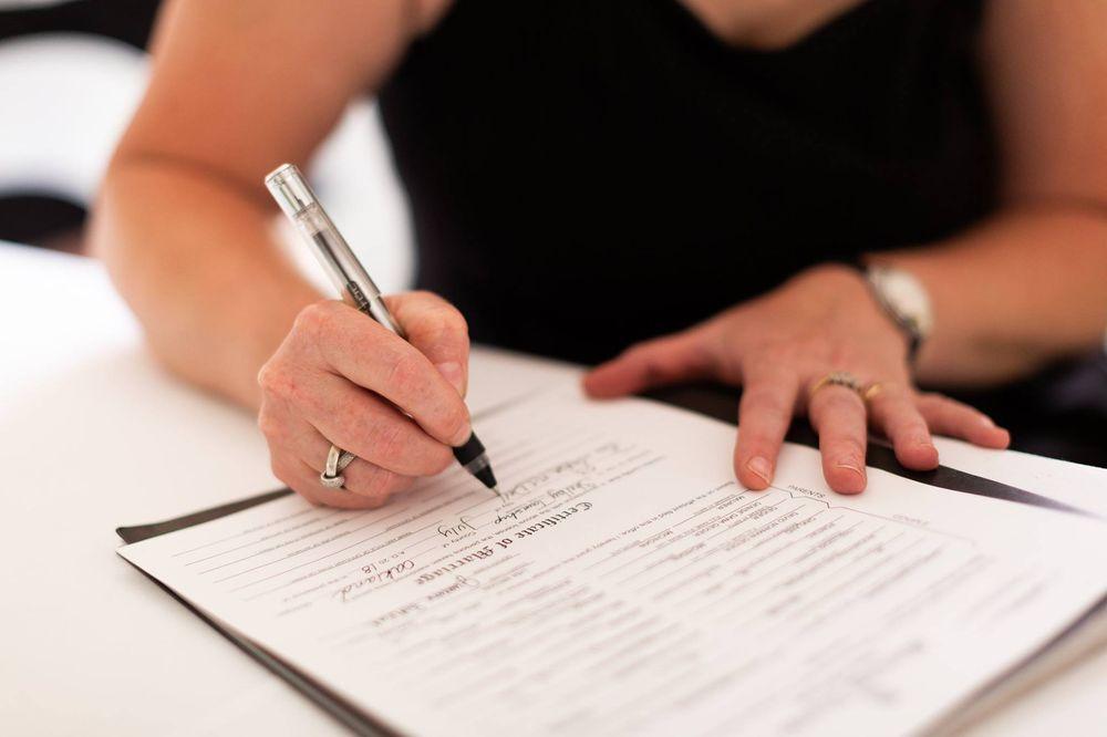 Sabra Dettore Wedding Officiant: Ortonville, MI