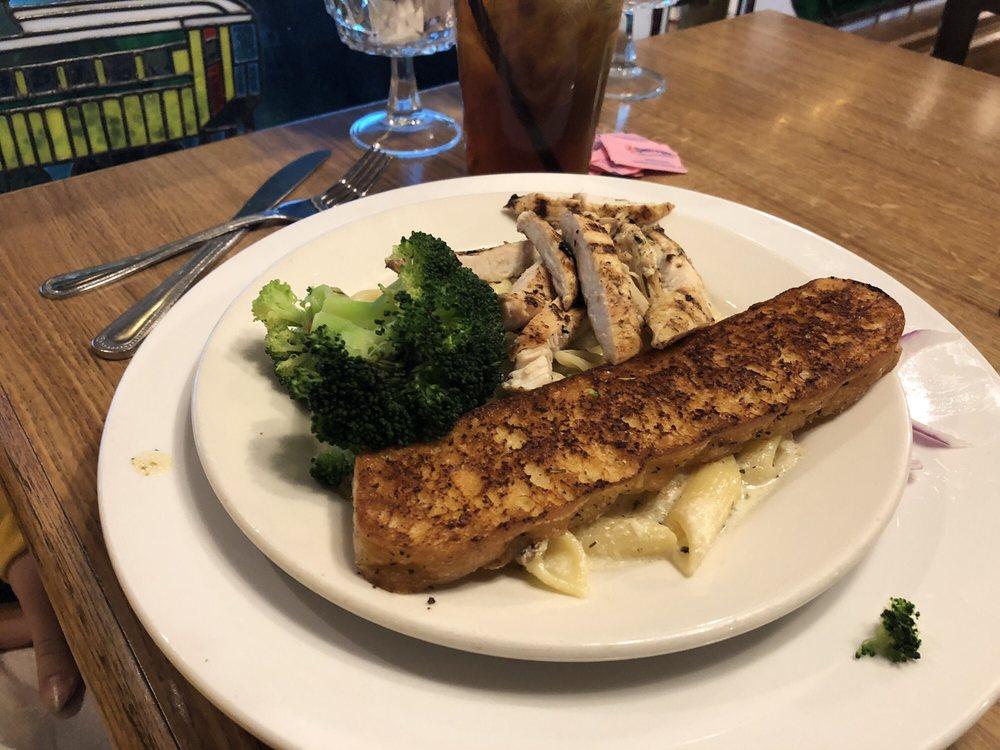 Bayside Restaurant & Lounge: 300 E Bay St, East Tawas, MI