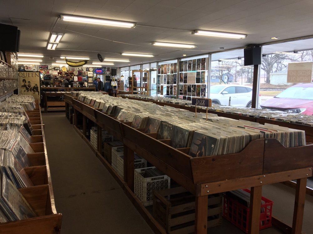 The Corner Record Shop: 3562 Chicago Dr SW, Grandville, MI