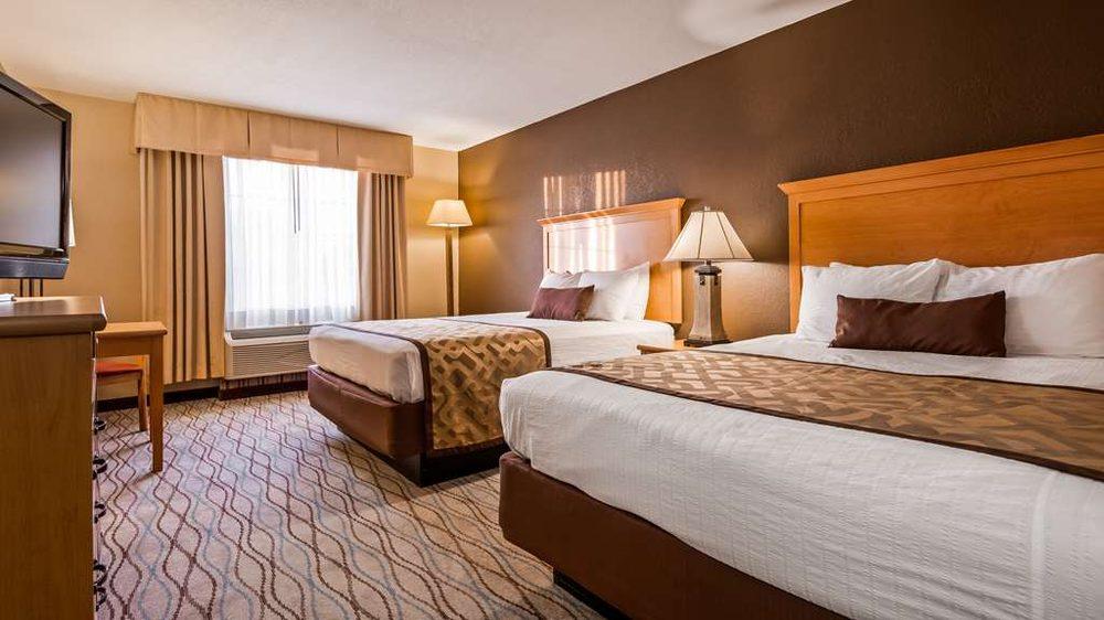 Best Western Locust Grove Inn & Suites: 106 Holiday Ln, Locust Grove, OK