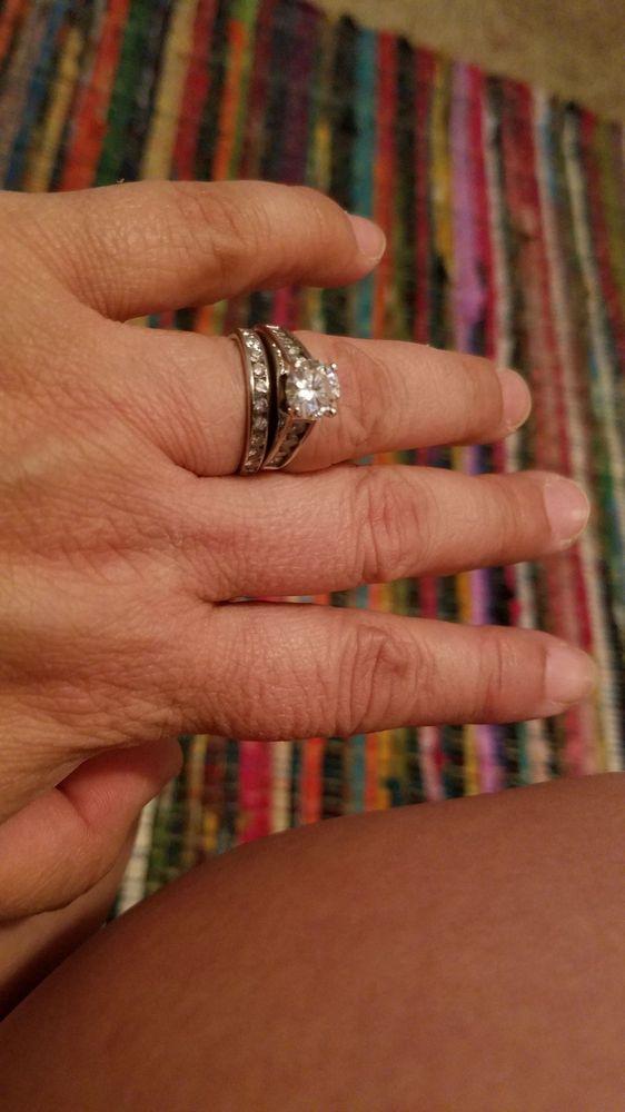 Henderson & Co Jewelers Inc: 5255 Simpson Ferry Rd, Mechanicsburg, PA