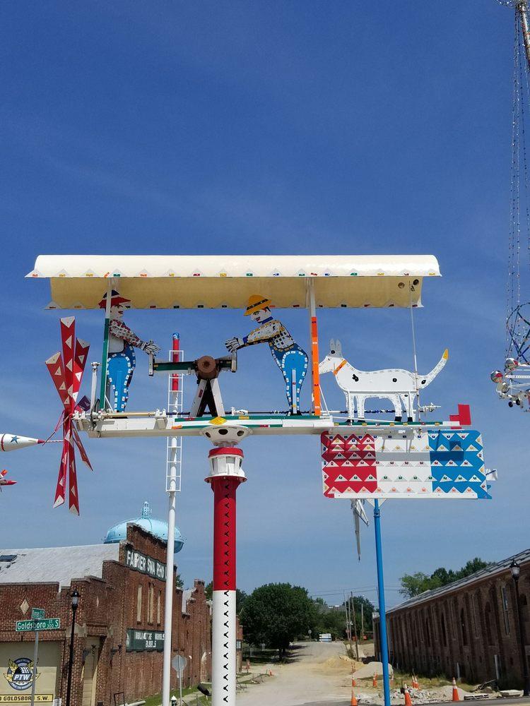 Vollis Simpson Whirligig Park: 301 S Goldsboro St, Wilson, NC
