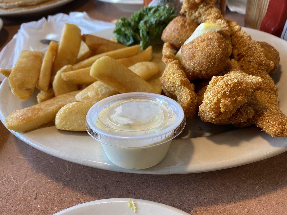 Lone Star Charlie's Family Restaurant: 1910 E Denman Ave, Lufkin, TX