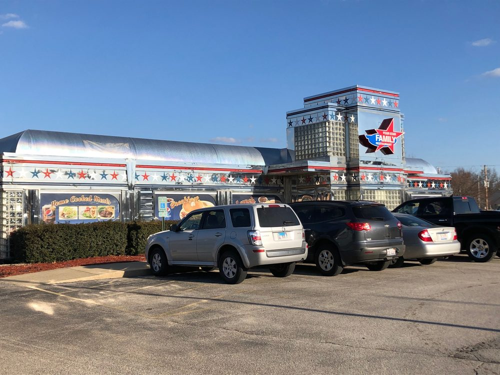 Four Star Family Restaurant: 1100 N State Highway 121, Mount Zion, IL