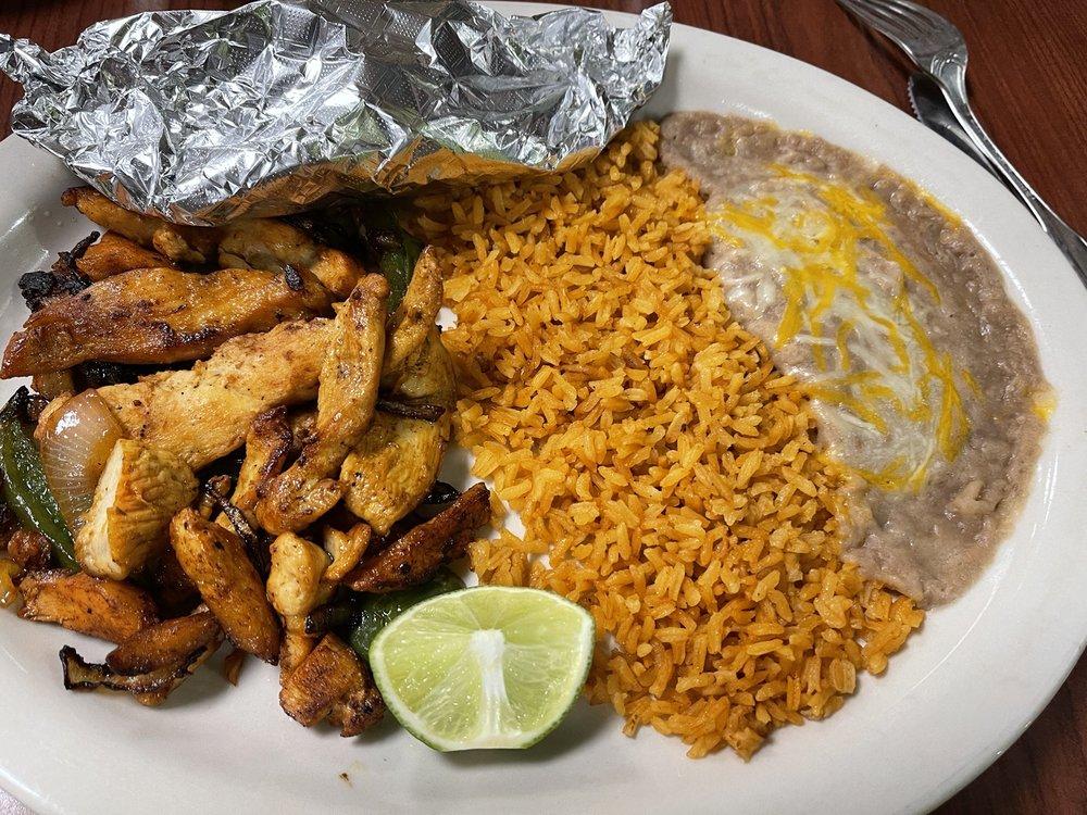 Vilmas Mexican Restaurant: 227 S Main St, Hope, AR