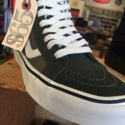 e6eaeb867a5b34 Old School Shoes - 38 Photos   50 Reviews - Shoe Stores - 1017 ...