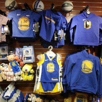 de9e4286f Golden State Warriors - 858 Photos & 245 Reviews - Professional ...