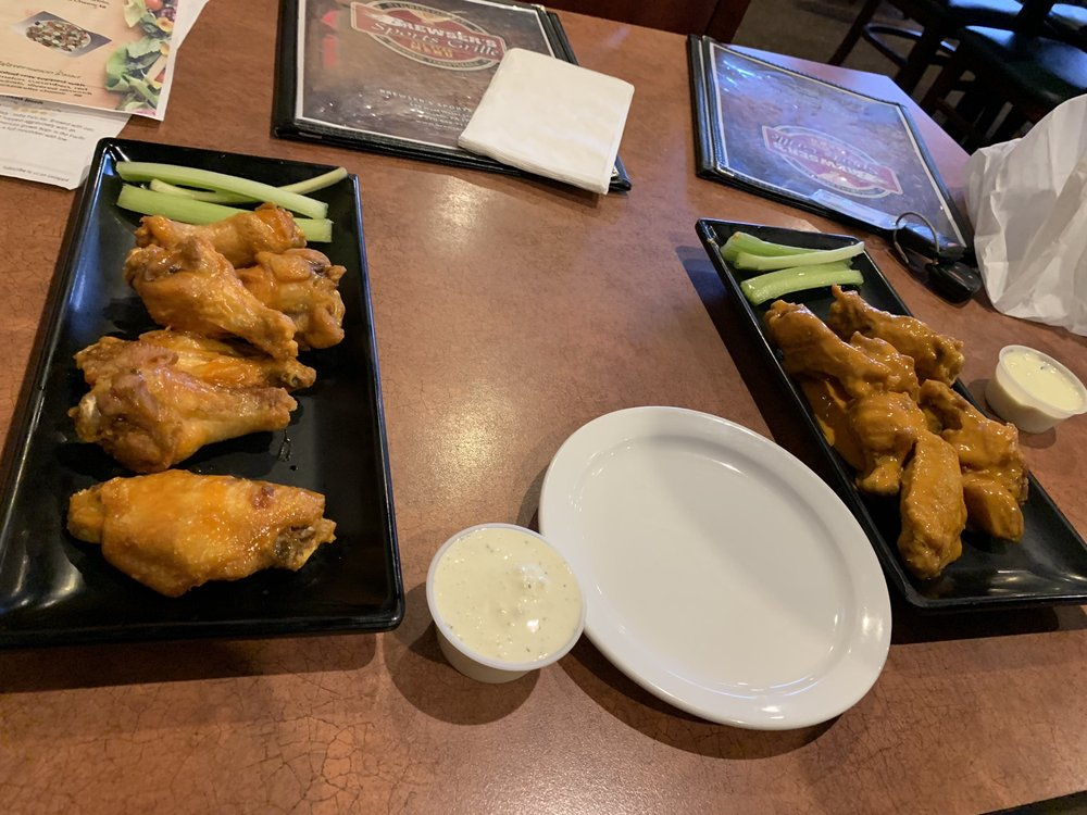 Brewser's SportsGrille: 839 W Water St, Coal Township, PA