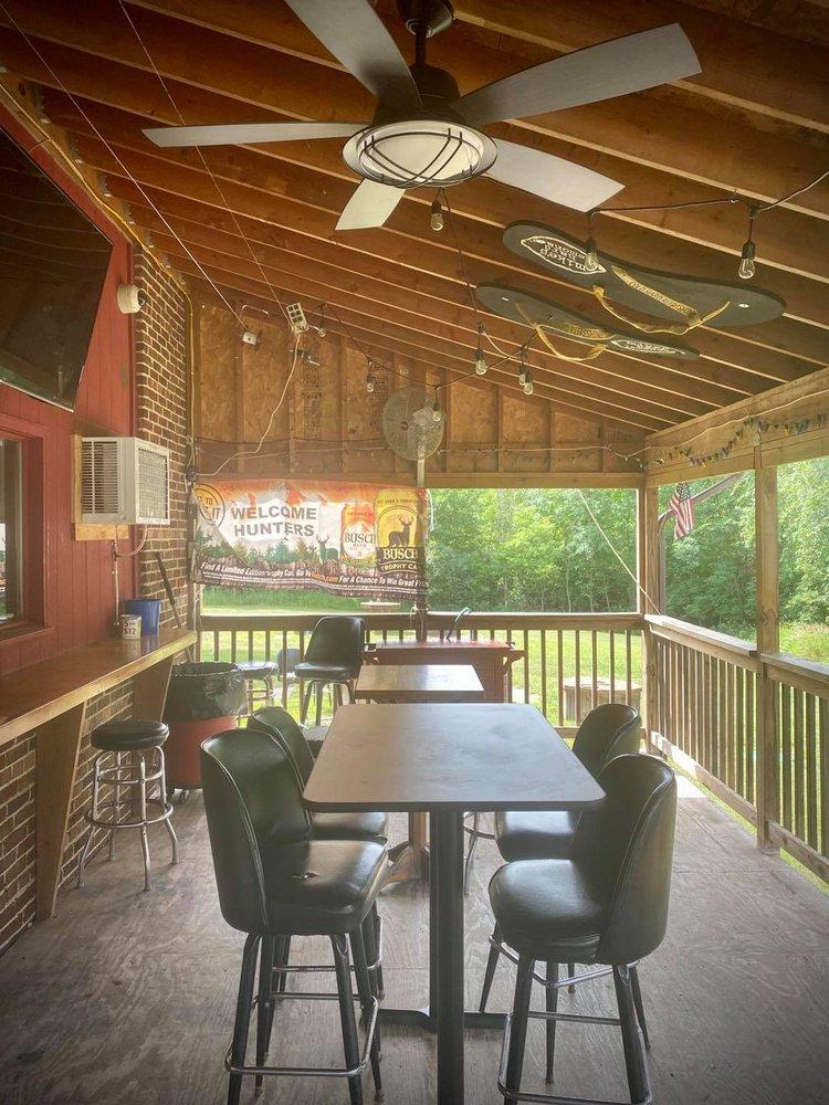 Full Moon Bar & Restaurant: 2425 Stark Rd, Harris, MN
