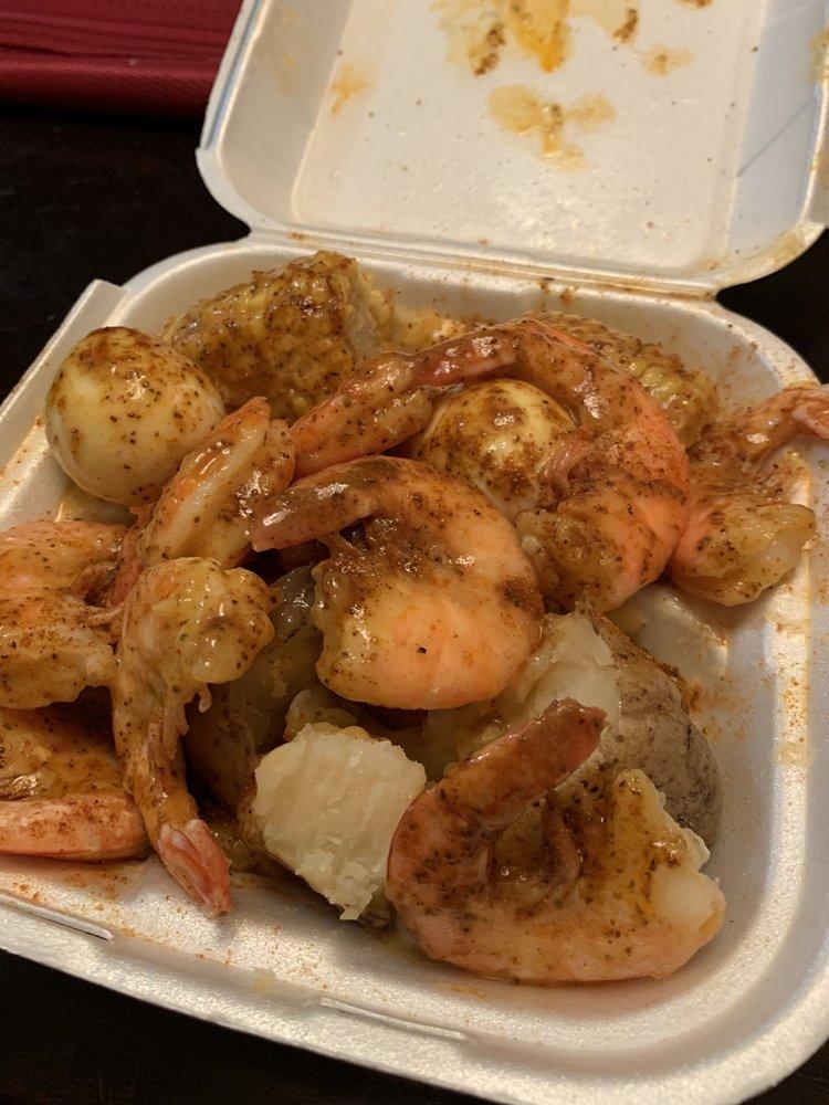 Bo's Crab Spot: 1807 Ave D, Fort Pierce, FL
