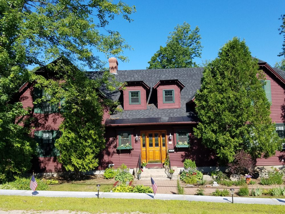 Cabernet Inn: 3552 White Mountain Hwy, North Conway, NH