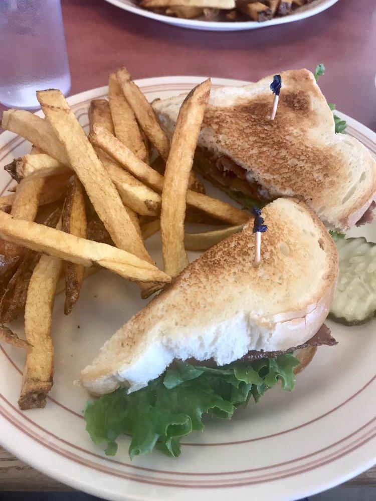 Arshels Cafe: 711 N Main St, Beaver, UT