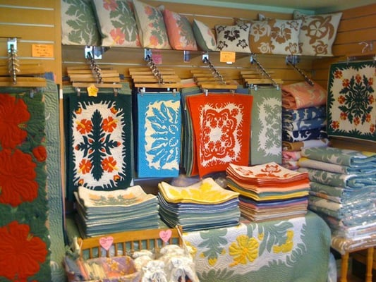 Plumeria Hawaiian Quilt Outlets - Jewelry - 334 Seaside Ave ... : honolulu quilt shops - Adamdwight.com