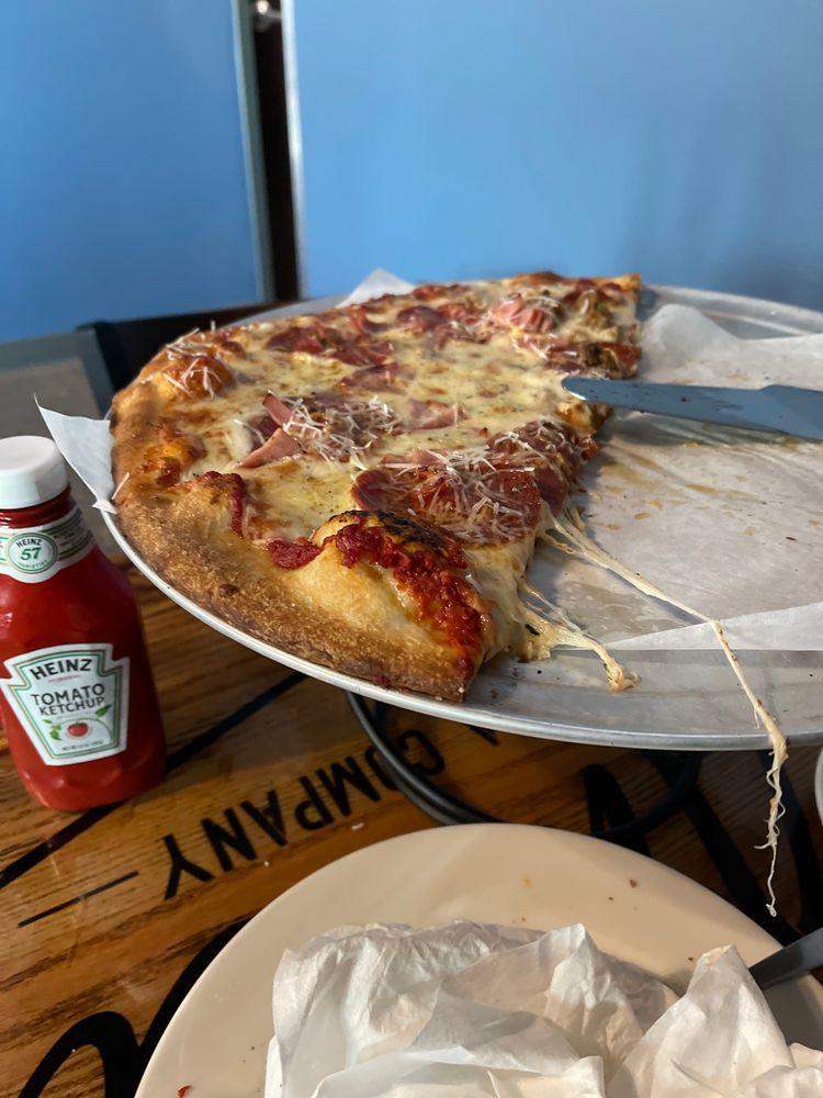 Amici Pizza: 3001 Yorktown Dr, Bismarck, ND