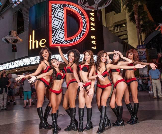 The Hottest Las Vegas Nightclub Waitresses