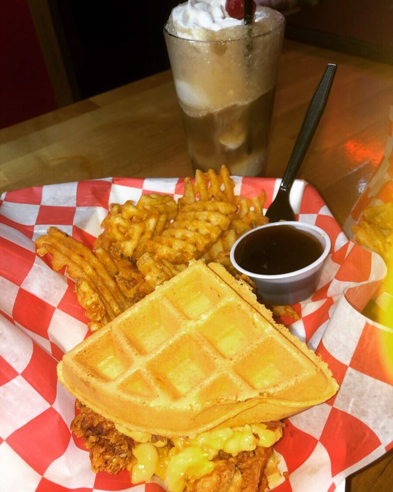 Forty's Chicken & Waffles
