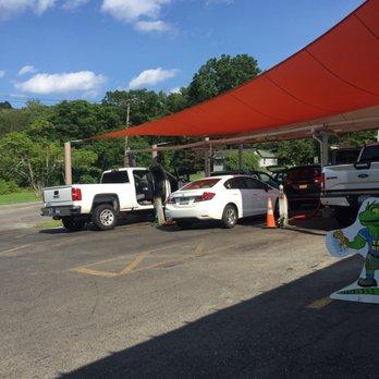 Iguana Wanna Car Wash Mahopac