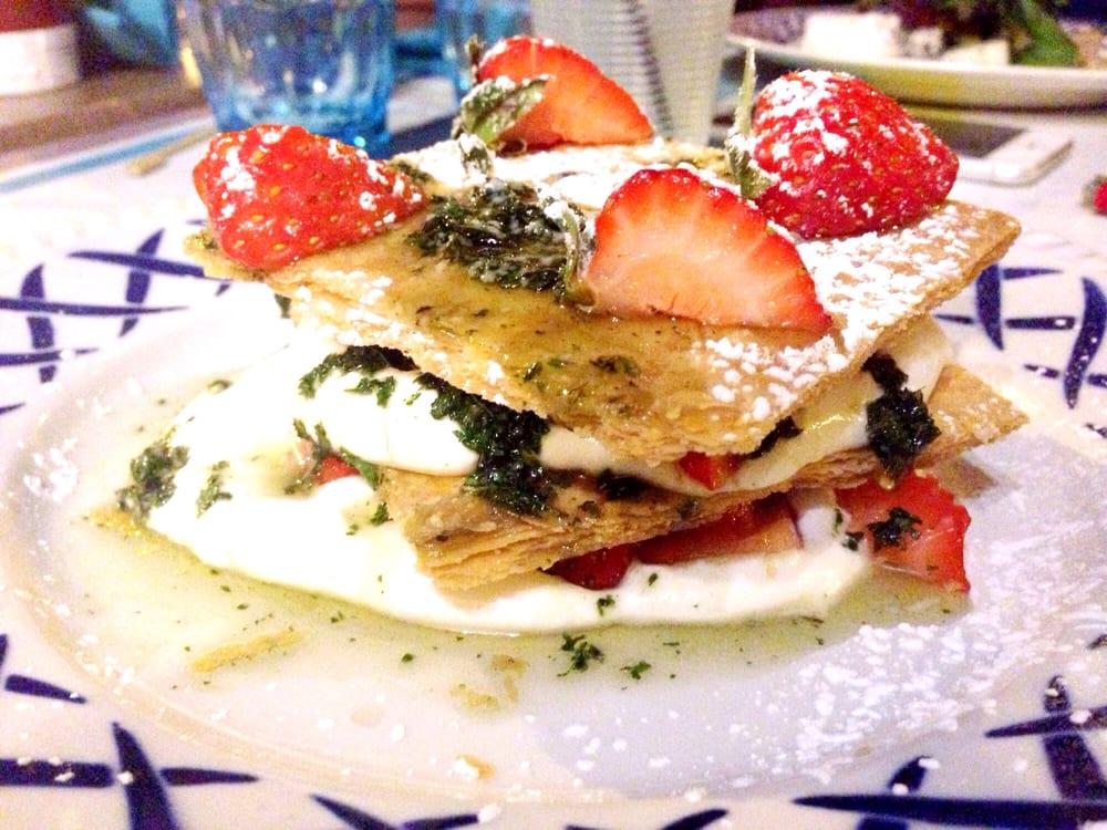 Mille feuilles de fraise la cr me de mascarpone yelp - Magasin de cuisine chatelet ...