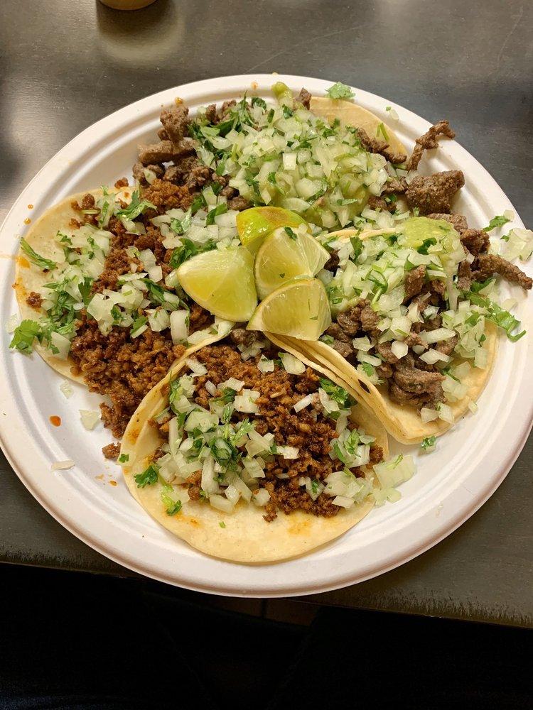 Gilibertos Mexican Taco Shop: 2331 108th Ln NE, Blaine, MN