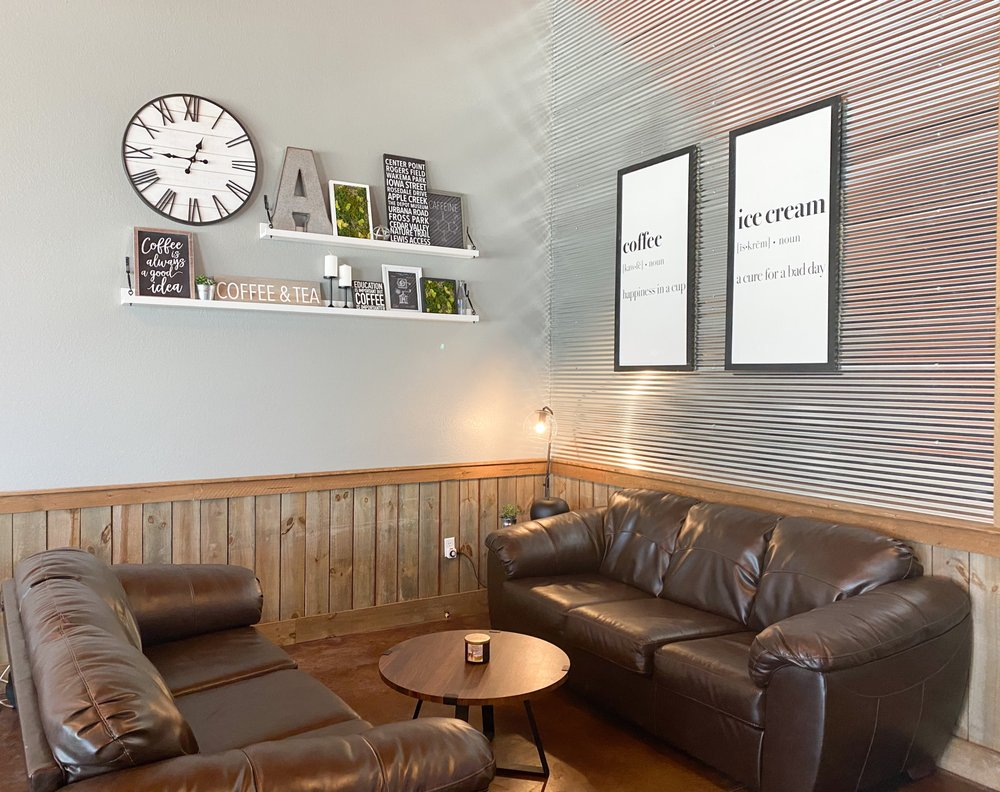 Apple Creek Coffee: 4215 Lewis Access Rd, Center Point, IA