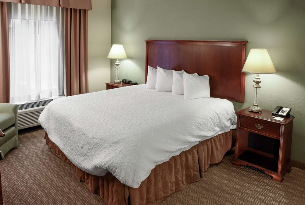 Hampton Inn & Suites Youngstown-Canfield: 6690 Ironwood Blvd, Canfield, OH