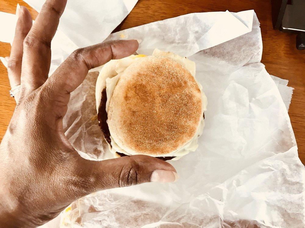 Donut Villa Diner: 1 Highland Ave, Malden, MA