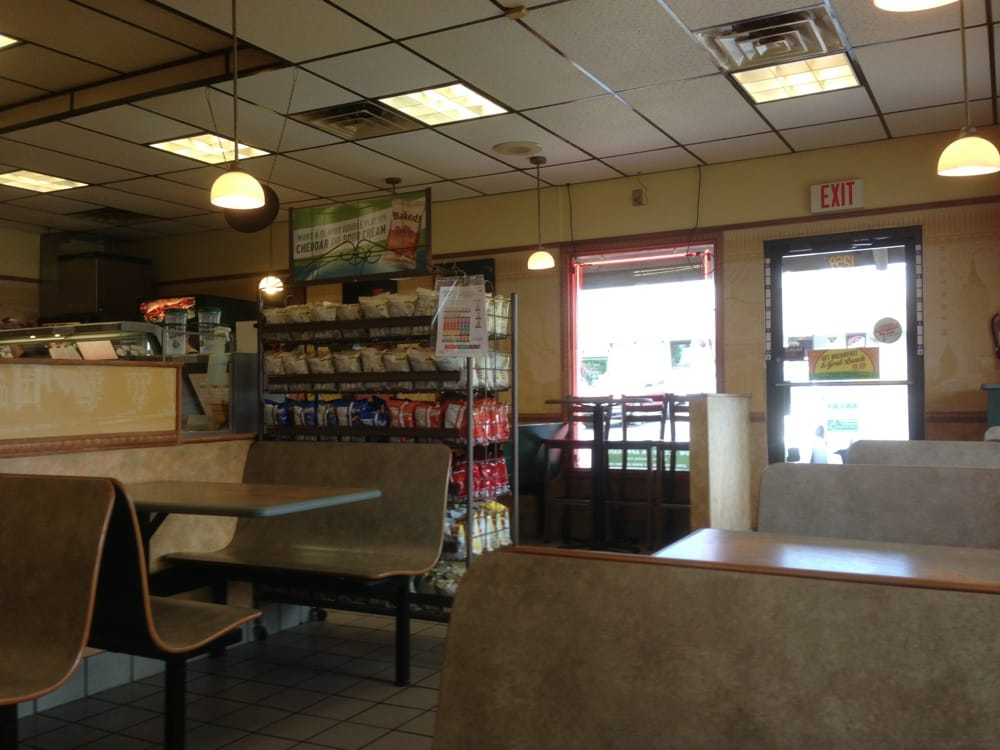 Subway: 1259 N Fairfield Rd, Beavercreek, OH