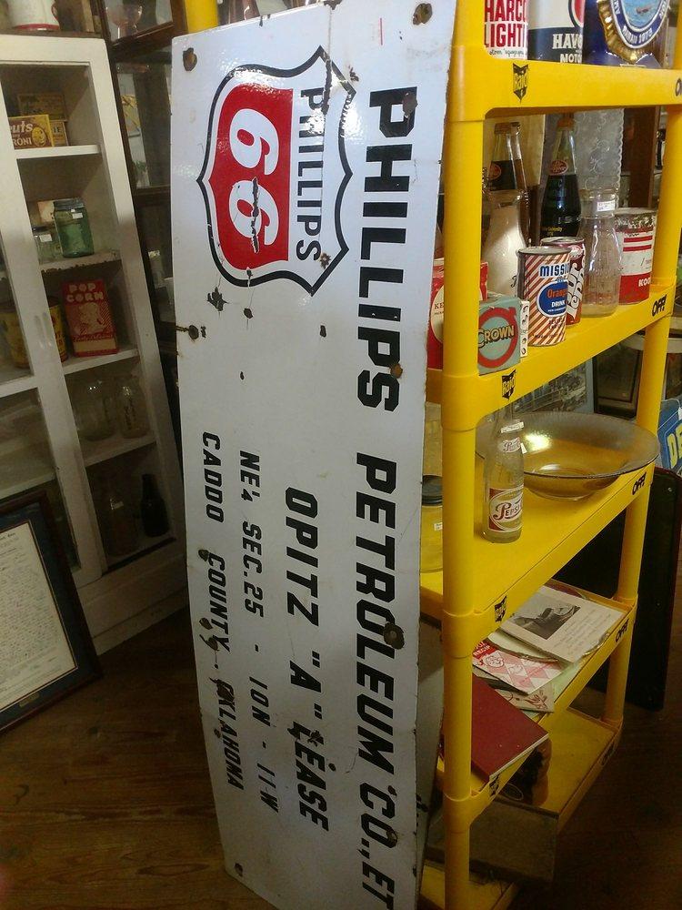 Burkburnett Antique Mall: 119 E 3rd St, Burkburnett, TX