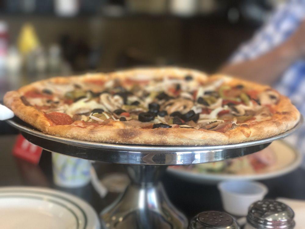 Rasco NY Pizza: 20 Town Square, Lovettsville, VA