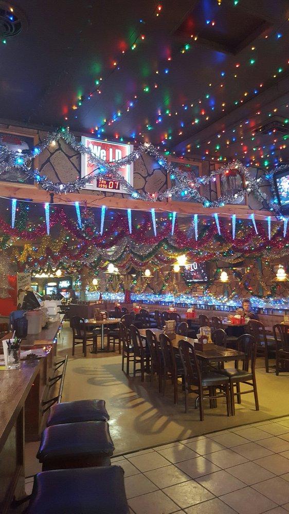 Tub's Pub: 107 5th Ave W, Sumner, NE