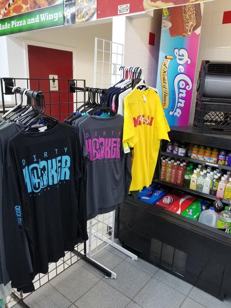 Marathon Gas Station: 5211 US Hwy 17 N, Bowling Green, FL