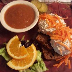 Photo Of Le Tree Inn Brockport Ny United States En Salad On