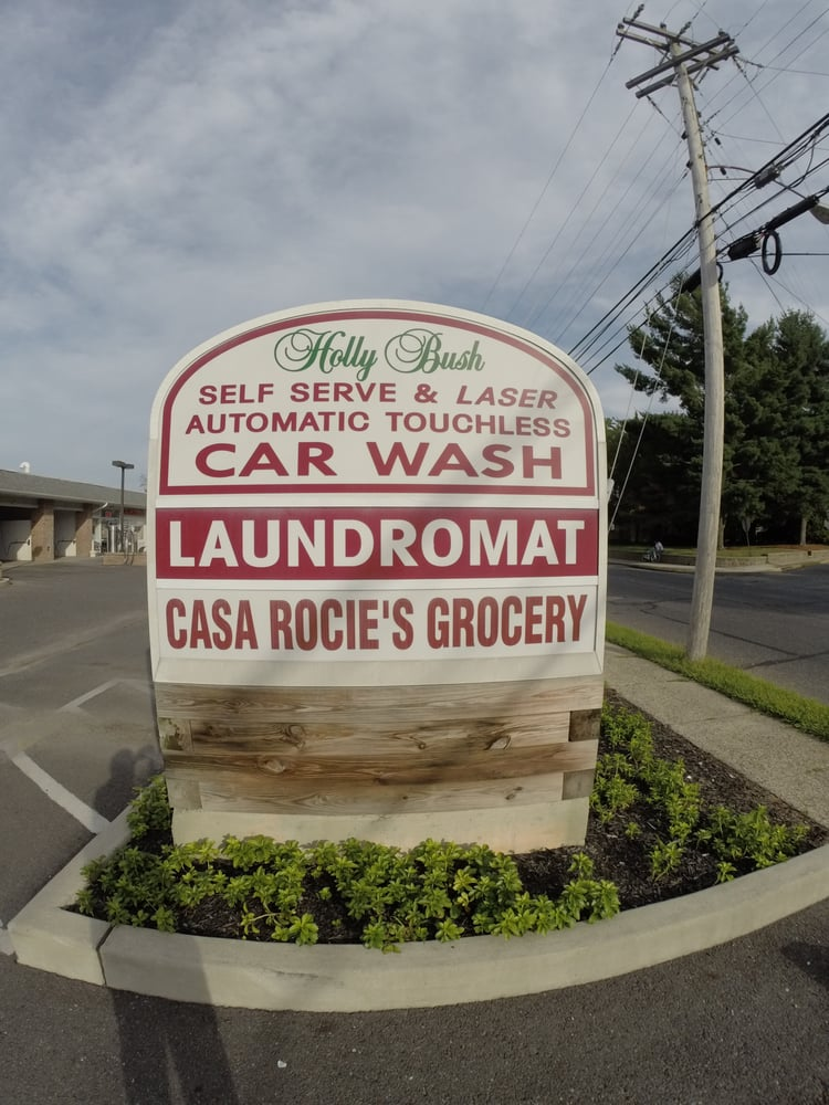 Holly Bush Laundromat: 135 High St E, Glassboro, NJ